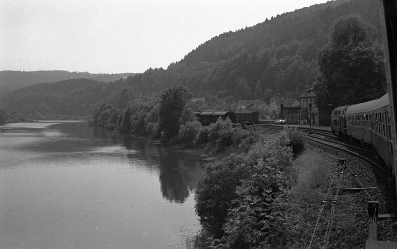 http://steverabone.com/RailwayPhotographs/02088027.jpg